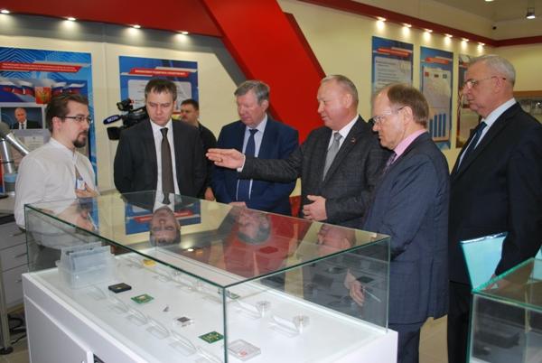 Также предприятие осваивает производство инновационных медицинских приборов в рамках закона о телемедицине