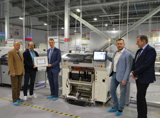 Спустя всего три месяца после презентации на выставке «Productronica-2017» автомат JUKI RS-1 был установлен на производственной линии ООО «Совтест АТЕ»